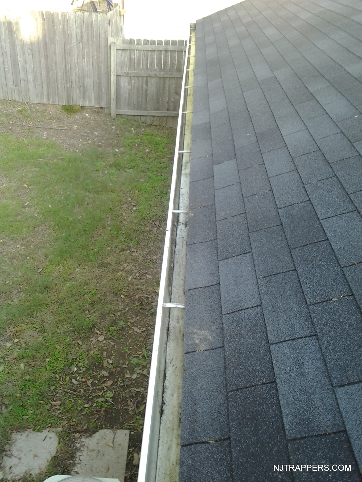 Nj Trappers 187 Gutter Cleaning